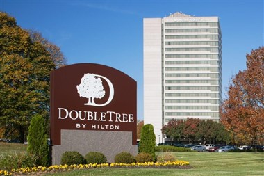 Doubletree Hotel Overland Park at Corporate Woods