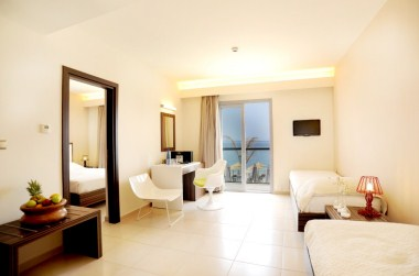 Deluxe Family Sea View Room