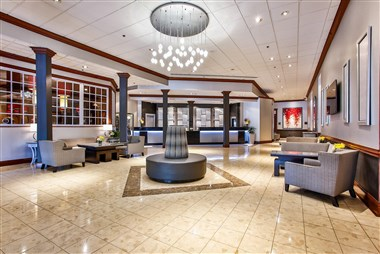 DoubleTree by Hilton Chicago-Alsip Lobby