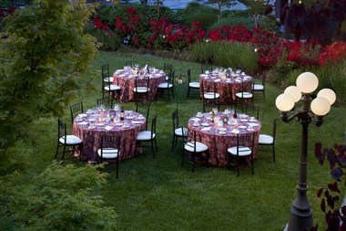 Upper Patio/Courtyard Dining
