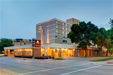 DoubleTree by Hilton Madison Exterior