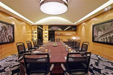 leveL7even Meeting Room 4