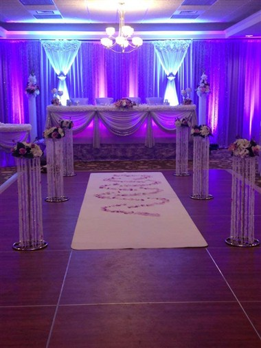 Wedding in shades of purple