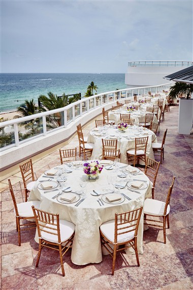 BalQony Ocean View Reception