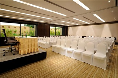 Meetings & Events – Conferencing: