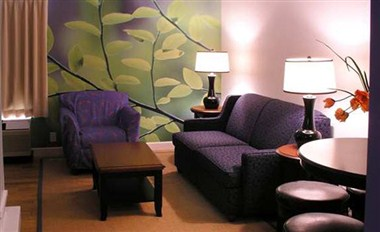 DoubleTree by Hilton Hotel Buffalo-Amherst Suite