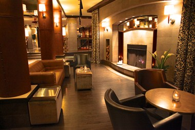 Lobby with its fireplace