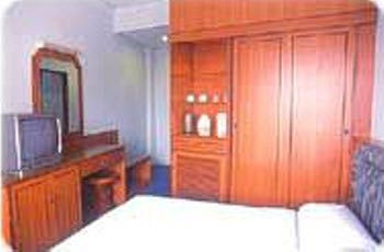 Empire Deluxe Room