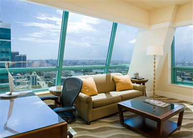Suite w/ city view