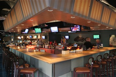 Rivals Waterfront Sports Grille
