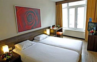 Floris France Twin Room
