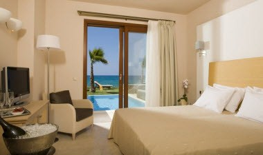 Sea Front Suite-Bedroom