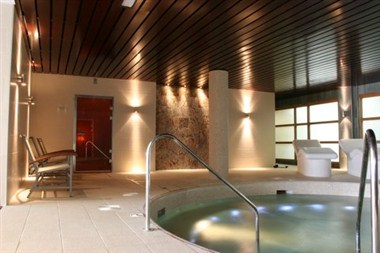 Jacuzzi in the Spa area