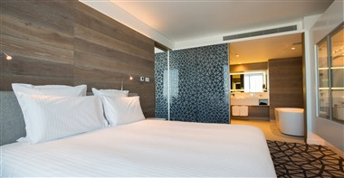 Executive Suite - Bedroom