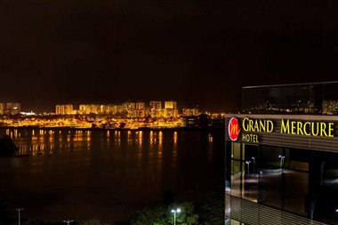 GRAND MERCURE NIGHT VIEW