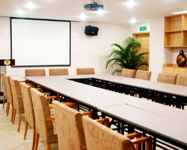 Multifunctional council chamber