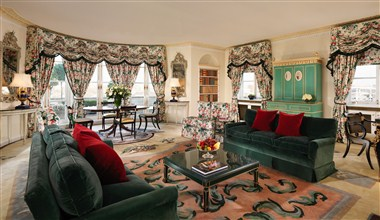 Oliver Messel Suite - Sitting Room