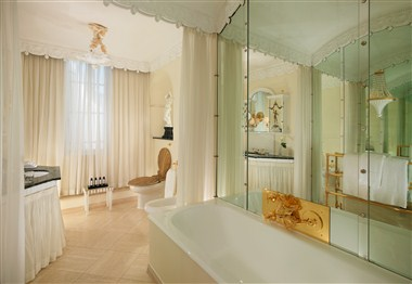 Oliver Messel Suite - Bathroom