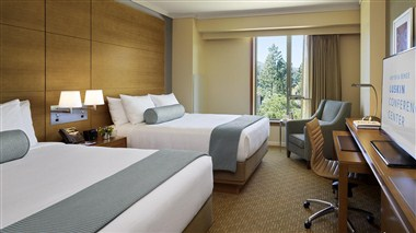 Enjoy Guest Rooms with Premium Amenities