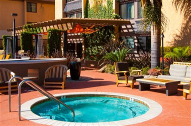 Outdoor Jacuzzi_Daytime