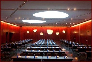 Las Arenas meeting room