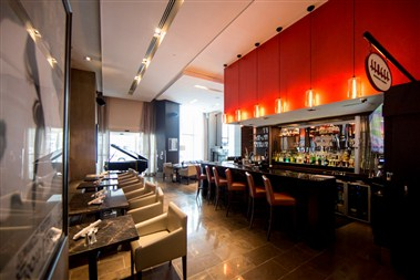Stages Restaurant & Lounge