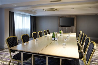 8th floor - boardroom style