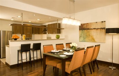 Dining & Kitchen