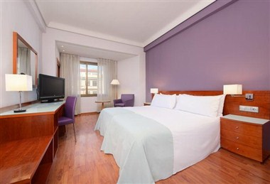 TRYP ROOM