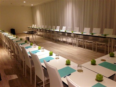 Meeting Room Posidonia with ECOTOUCH set up