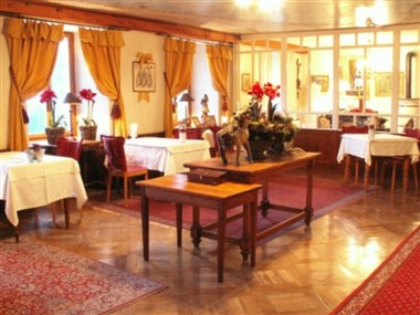 The Vallet Room