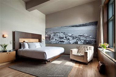 Penthouse sleeping room