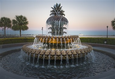 Pineapple Fountain-Waterfront Park