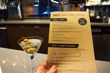 Gallery Menu & Cocktail