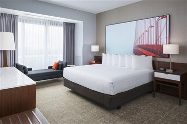Premier Suite-Bedroom