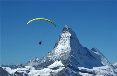 Outdoor activity - Paragliding