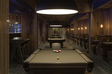 Cocktail Bar - Pool Tables