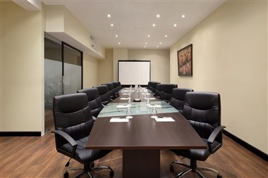 Jacarandas Meeting Room