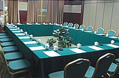 Meeting Room (M)