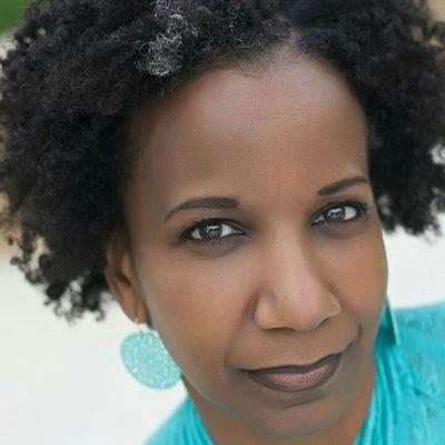 Romona Foster Social Media Trainer Consultant (003