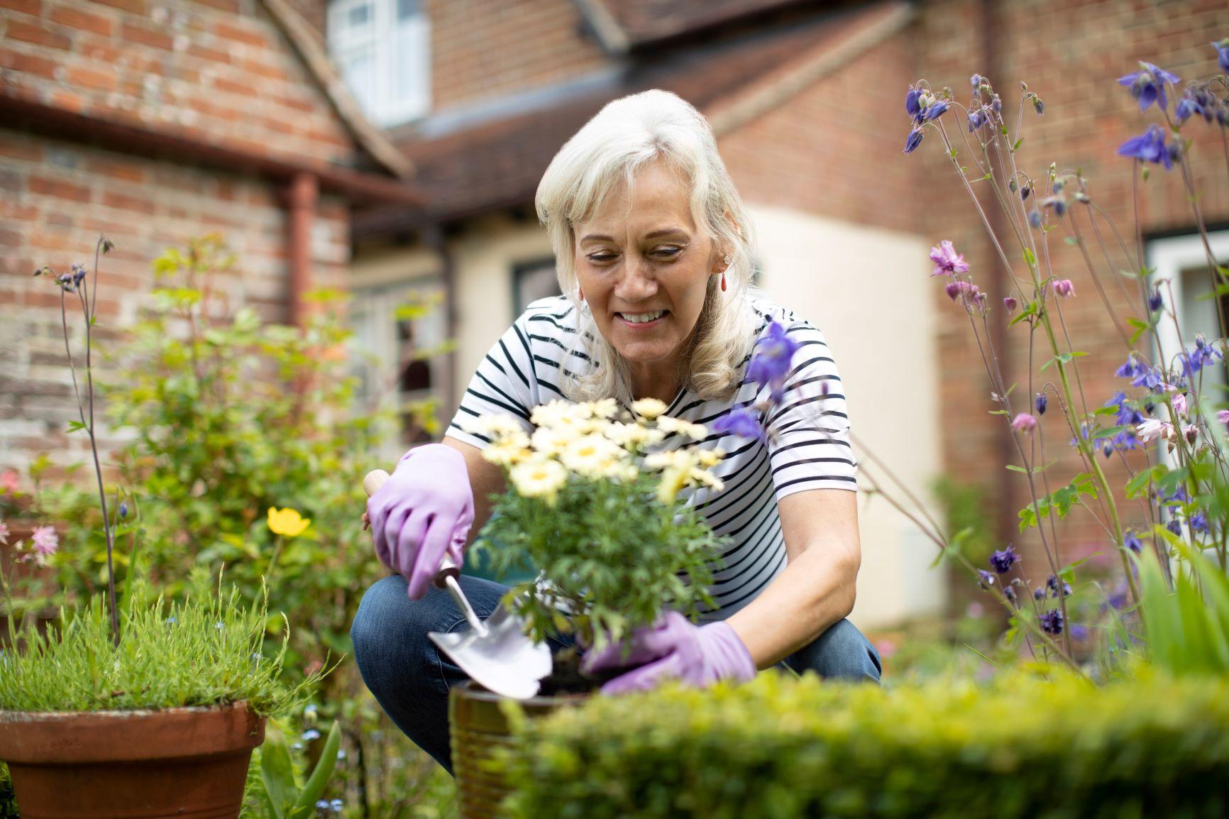 Gardening woman_iStock-1152789022-Resized