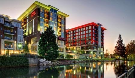 Hampton Inn Greenville Downtown Riverplace 450w 26