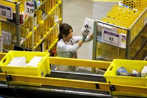 Amazon Hires 80,000 employees