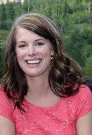 Lauren McNeill.png