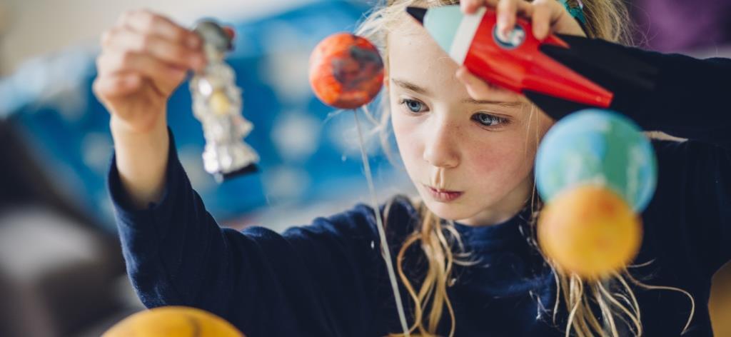 Elementary Girl STEM