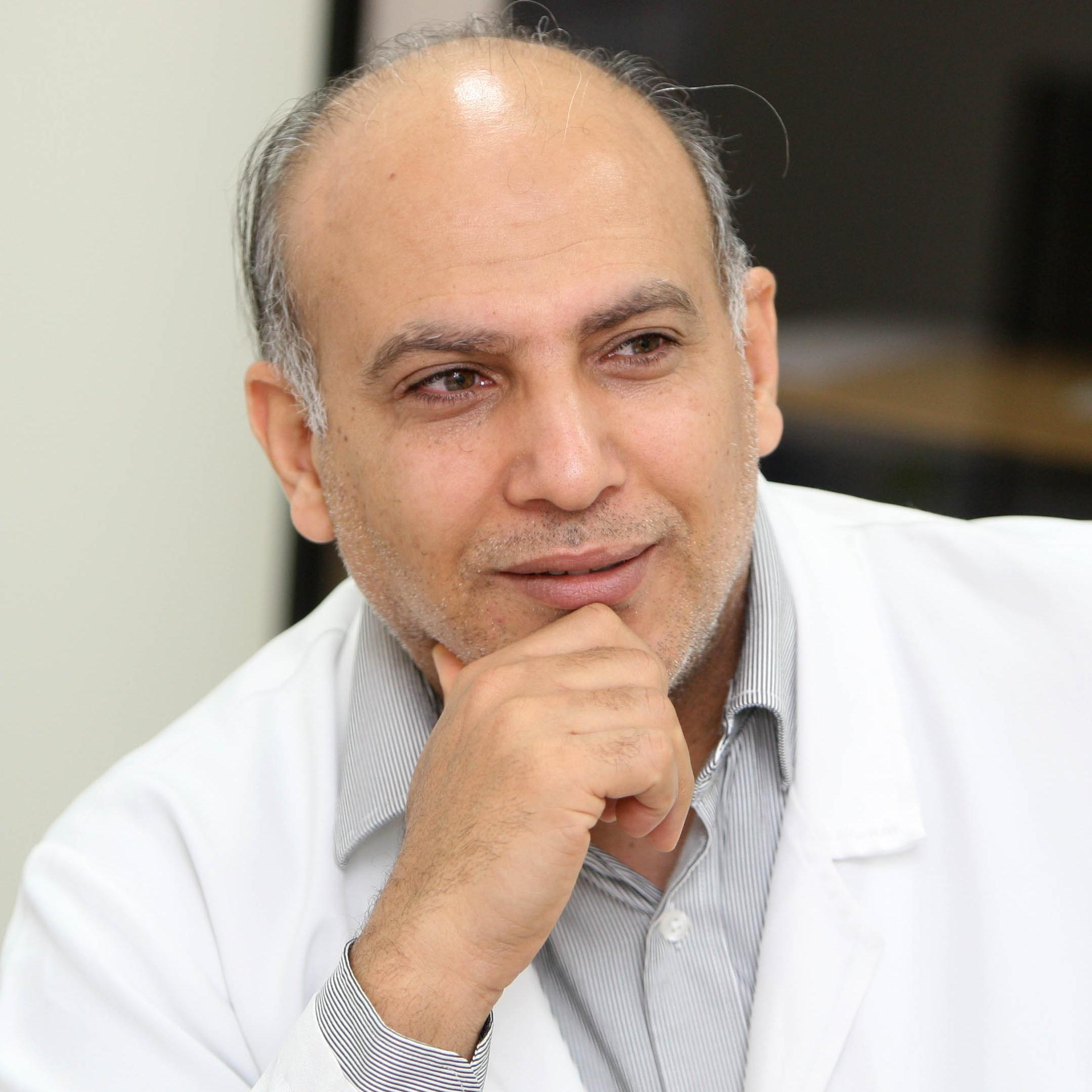 Dr. Moataz photo .jpg