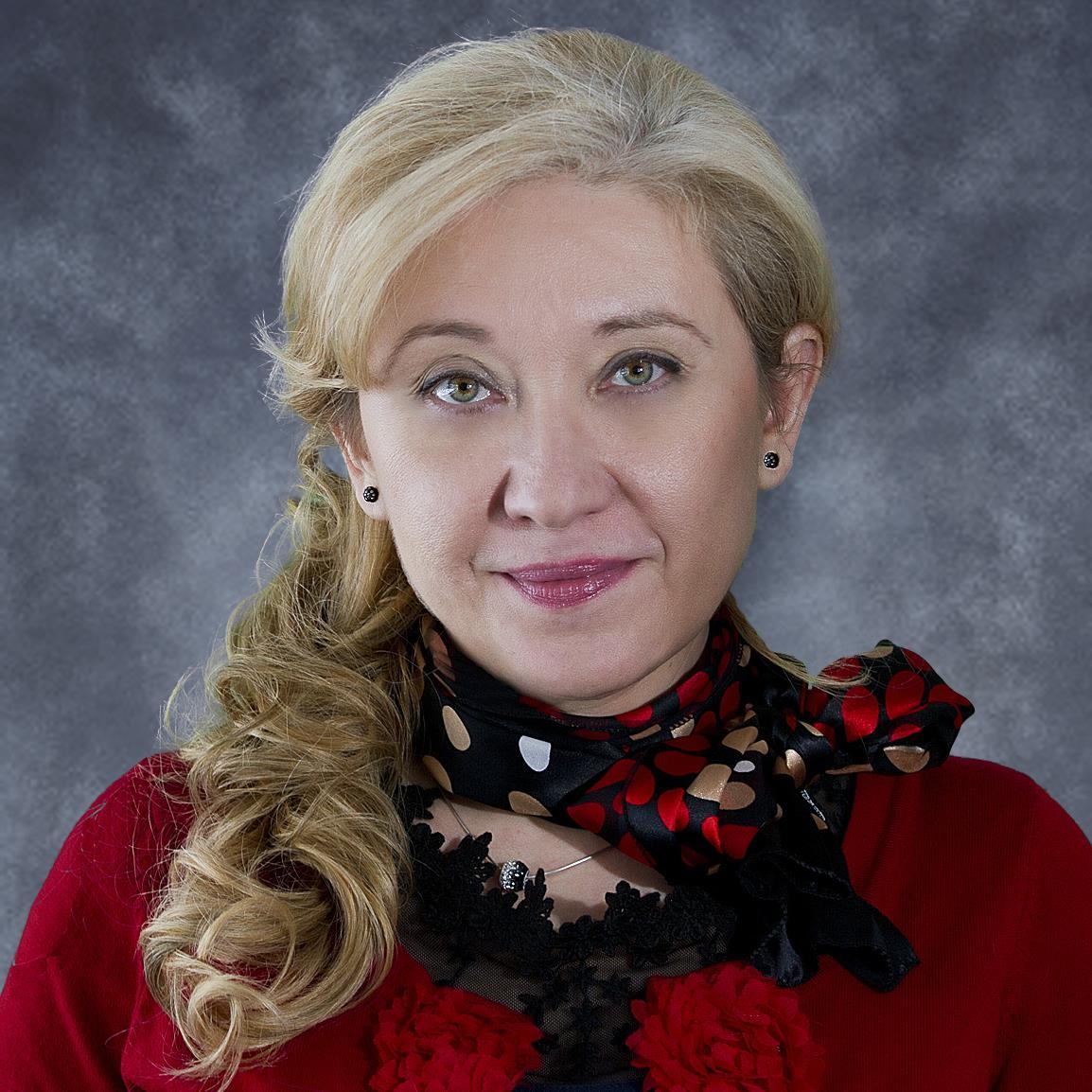 Simona Surdu.jpg