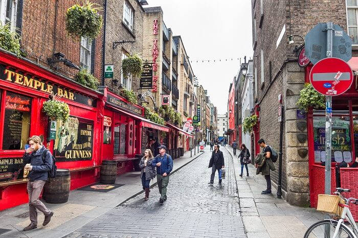 temple-bar-street-dublin