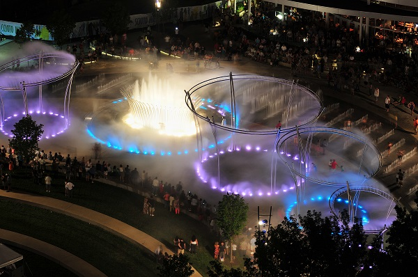 scioto_fountains_night_hr