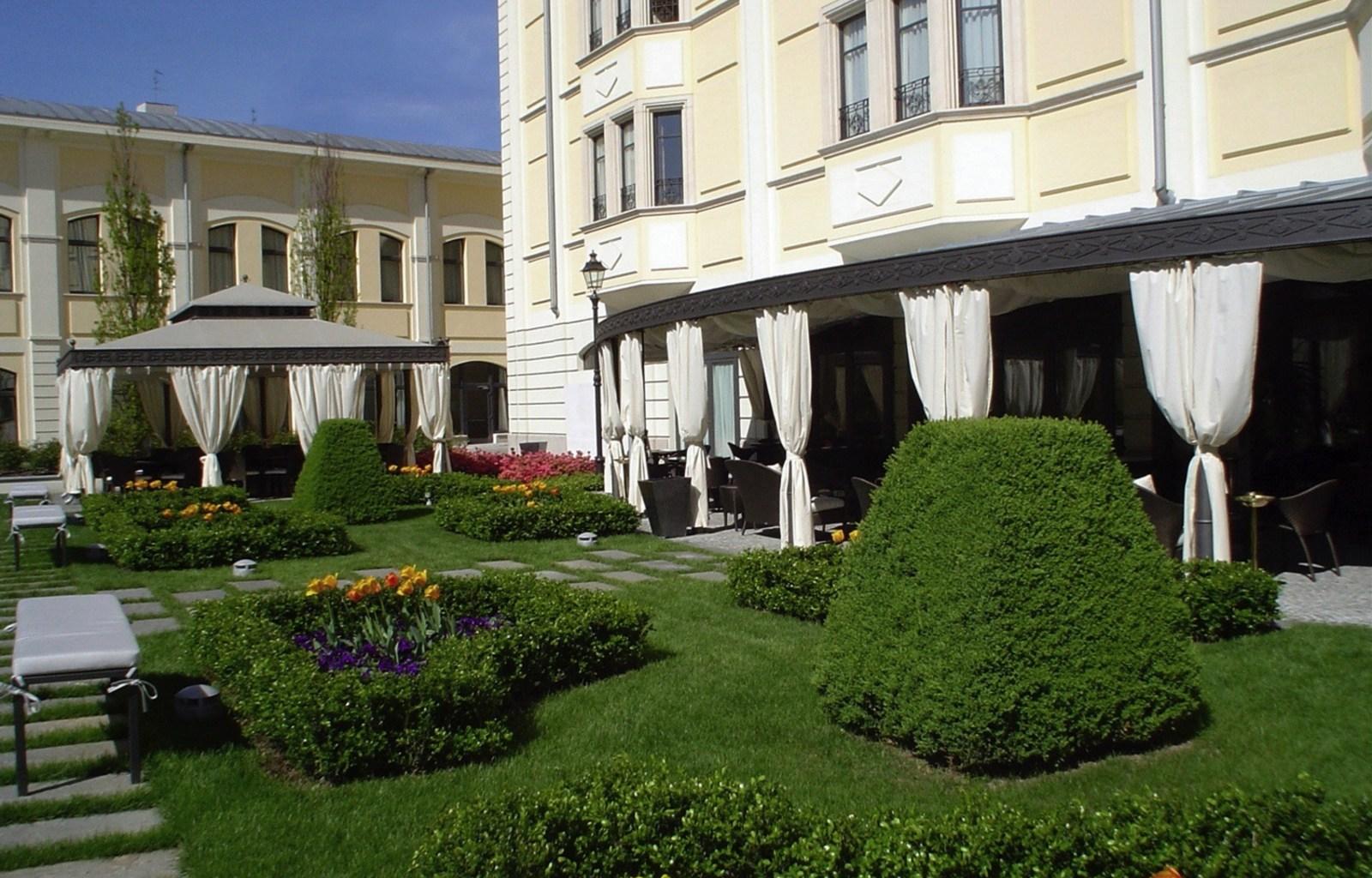 Visconti_Palace_Giardino